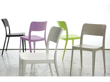 Sedie In Polipropilene Colorate.Bardini Collection